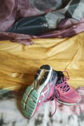 2 avonden en elke zondag middag, steeds veder van Balloërveld, Annen en Gasteren richting Zuidlaren steeds andere route helemaal versleten en gesloopt lopen ze nu niet meer lekker dus tijd voor een nieuw paar schoenen. Toch zullen de schoenen bewaard blijven